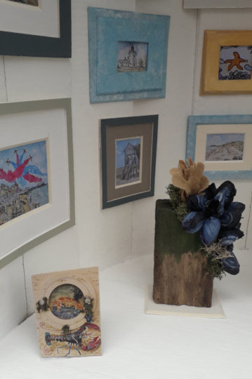A close-up of the art in the miniature gallery. (c) 2019 by Eloise O'Hare.